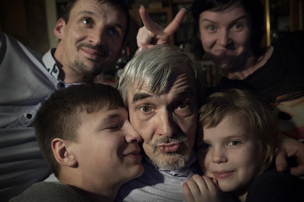 Юрий Дмитриев с семьей, ФОТО Анна Артемьева, «Новая Газета»